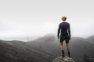 山の上のスポーツマン